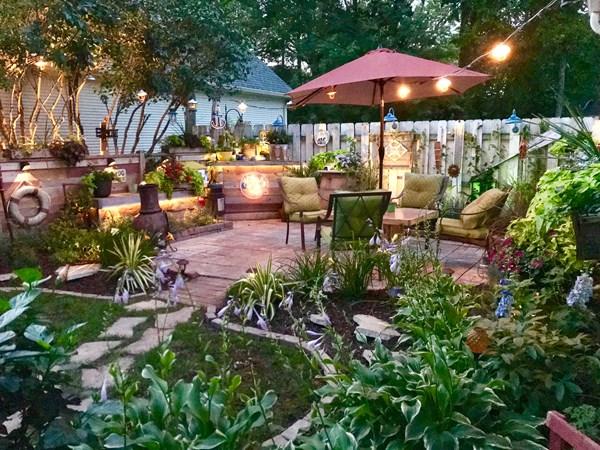 Backyard Paradise: Countryside Flower Shop, Nursery